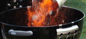 Come accendere un barbecue a carbonella